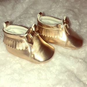 NWOT Copper Baby Walkers Size 2 0-3 months